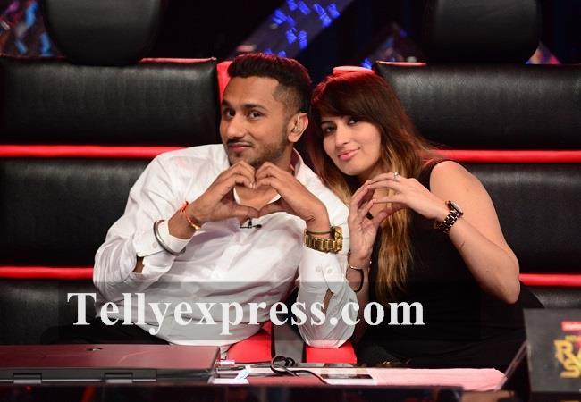 Rapper Yo Yo Honey Singh with his wife Shalini