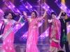 Niaa Sharma, Surbhi Jyoti's thumkas rock Zee RishteyAwards